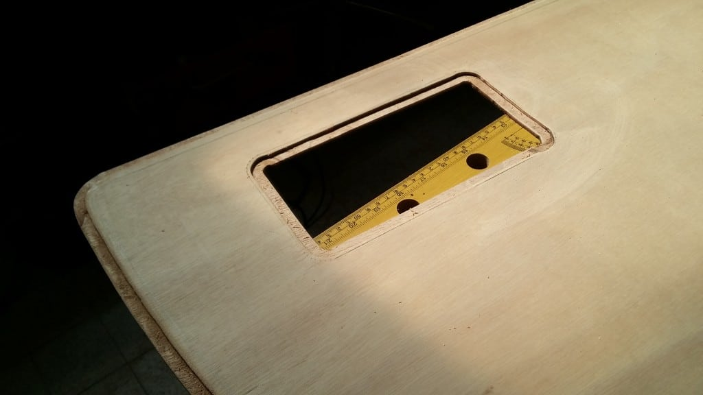 Innenseite einer Schwertplatte mit Falz an der Öffnung für das Blei