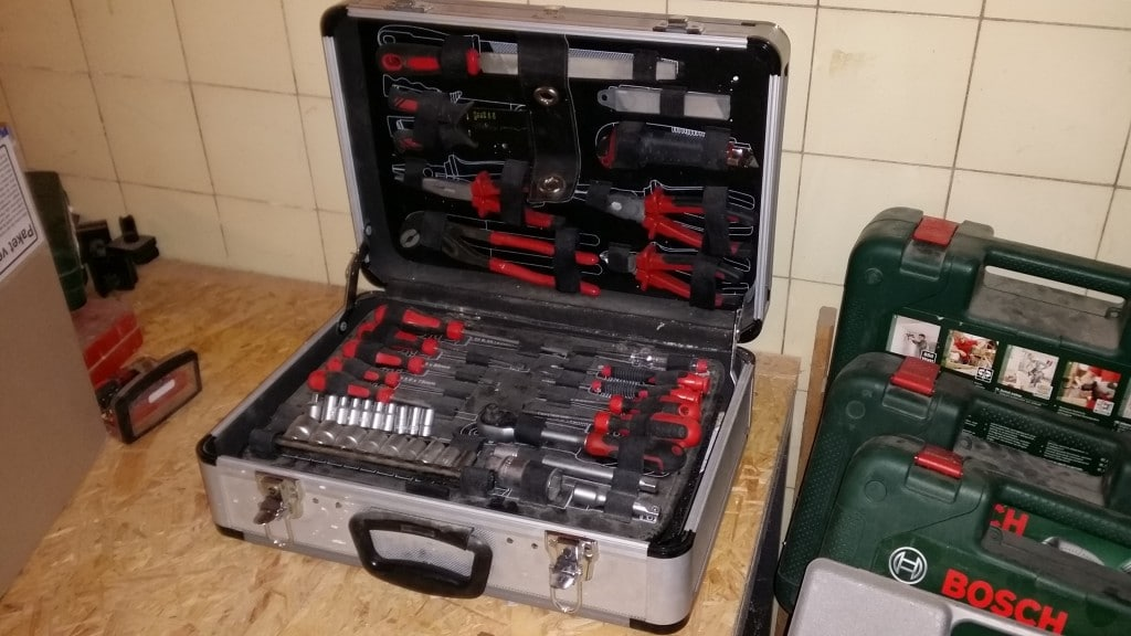 Werkzeugkoffer, ca. 100 €